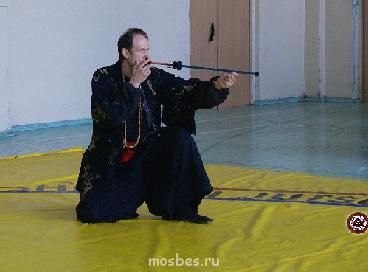 Дни Японии: мастер-класс по техникам владения духовой трубко - тренер фукия.png