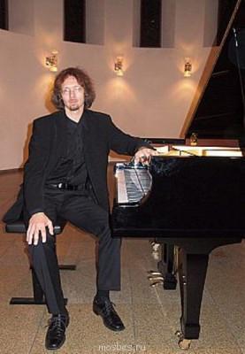 Концерт фортепианной музыки «Дивная осень». - trushechkin_2011.jpg
